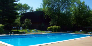 Sherwood Lake Apartments Photo Gallery 1