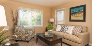 Brentwood Park Townhomes and Apartments Photo Gallery 1