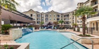 Creekside Vue Apartments Photo Gallery 1
