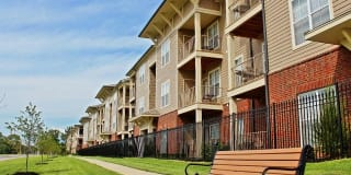 Grand Island Apartment Homes Photo Gallery 1