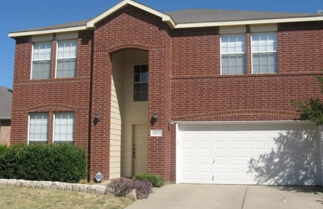 12653 Oakwood Circle - 12653 Oakwood Circle, Fort Worth, TX 76040