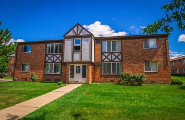 Lexington Village - 32000 Concord Dr, Madison Heights, MI 48071