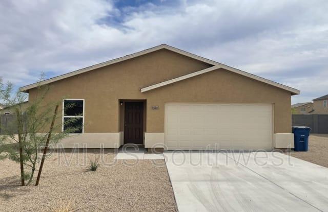 1624 Paige Dr - 1624 Paige Drive, Bullhead City, AZ 86442