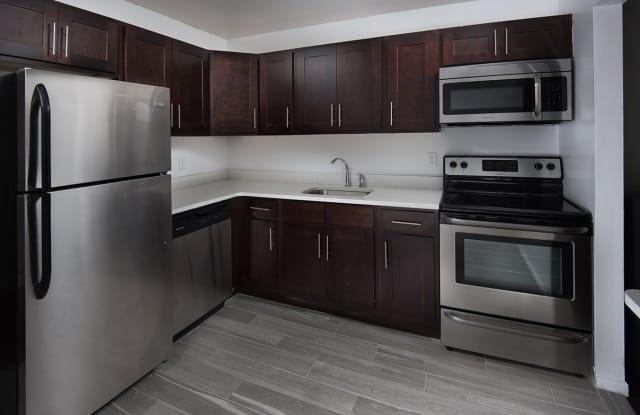 Carlton Apartments - 125-A2 W Farrell Ave, Pennington, NJ 08618