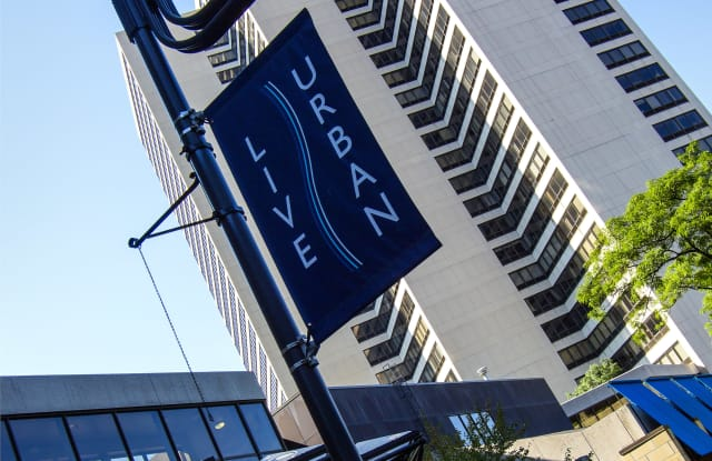 Riverfront Towers - 250 Riverfront Dr, Detroit, MI 48226