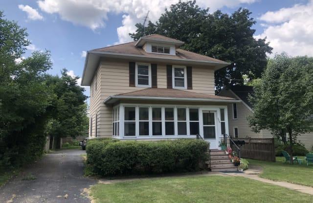 325 South Harrison Street - 325 South Harrison Street, Batavia, IL 60510