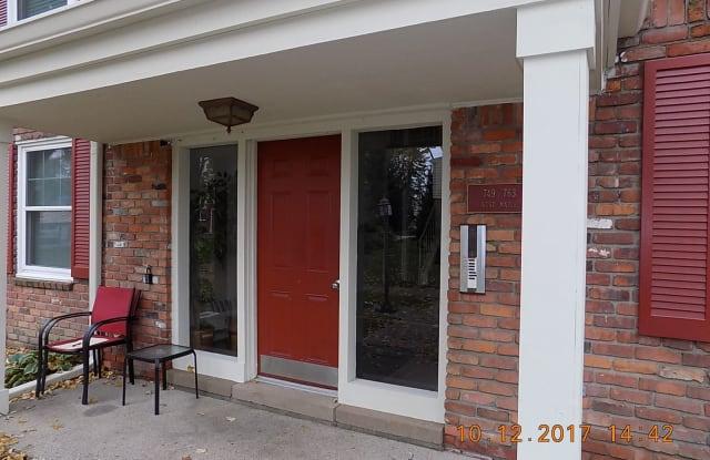 763 W Maple Rd Unit 60 - 763 West Maple Road, Clawson, MI 48017