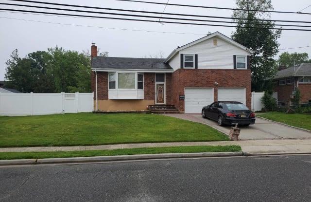 932 Van Buren Street - 932 Van Buren Street, Baldwin Harbor, NY 11510