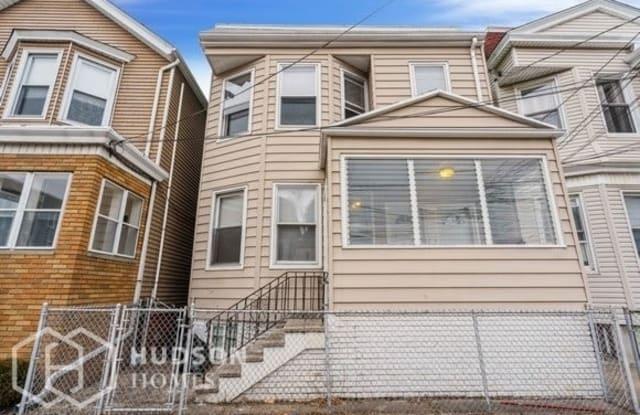 251 Maple Street - 251 Maple Street, Kearny, NJ 07032