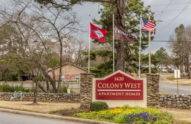 Colony West - 1420 Breckenridge Dr, Little Rock, AR 72227
