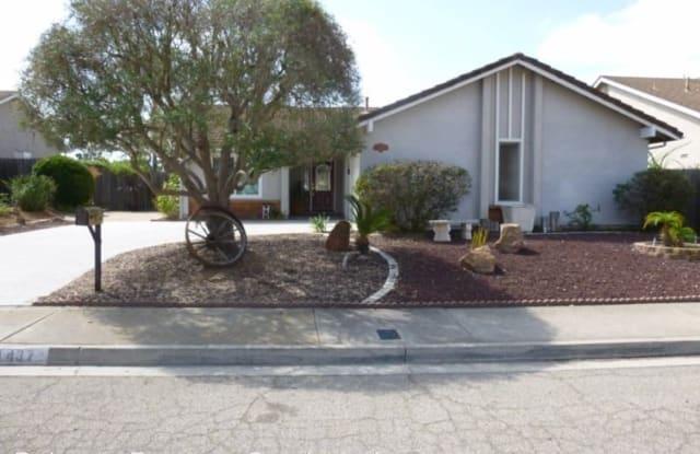 1437 Calle Redonda Ln - 1437 Calle Redonda Lane, Escondido, CA 92026