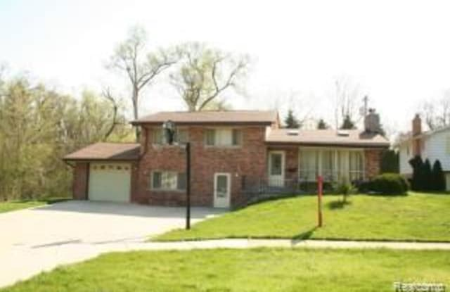 17361 W OUTER Drive - 17361 West Outer Drive, Dearborn Heights, MI 48127