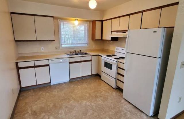 1320 Mineral Place - 1320 Mineral Place, Billings, MT 59105