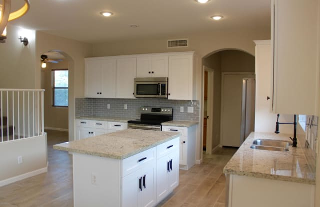 4435 E RUNAWAY BAY Drive - 4435 East Runaway Bay Drive, Chandler, AZ 85249