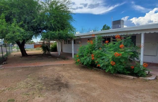 2145 S Amigo Avenue - 2145 South Amigo Avenue, Tucson, AZ 85713