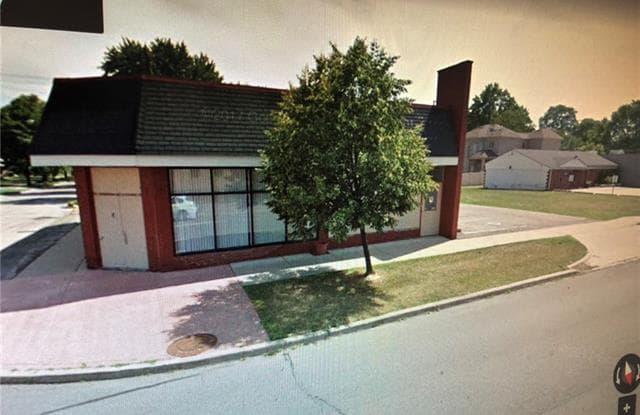 25105 W WARREN Street - 25105 W Warren St, Dearborn Heights, MI 48127