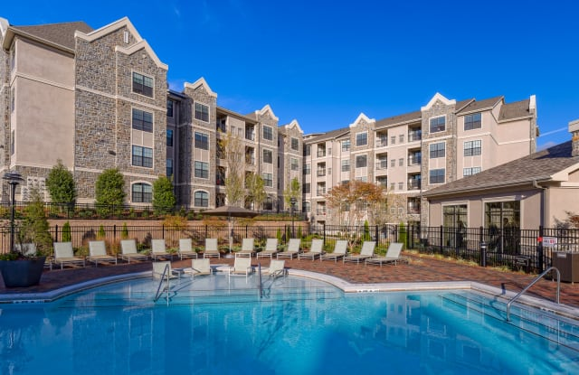 The Heights LaSALLE Luxury Apartment Homes - 500 S Lasalle St, Durham, NC 27705