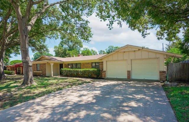 625 Cullum Avenue - 625 Cullum Avenue, Hurst, TX 76053