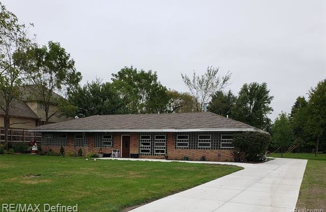 1677 WILLOWOOD Road - 1677 Willowood Road, Rochester Hills, MI 48307