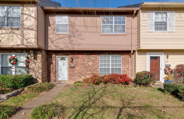 5601 Country Dr - 5601 Country Drive, Nashville, TN 37211