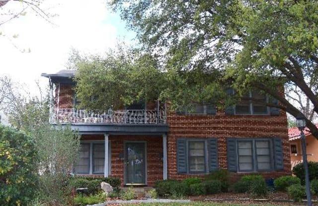 445 CLUB DR - 445 Club Drive, San Antonio, TX 78201
