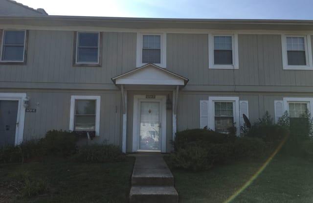 5731-F Bramblegate Drive - 5731 Bramblegate Rd, Greensboro, NC 27409