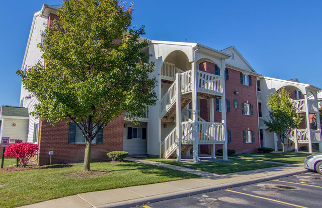 Steeplechase Apartments & Townhomes - 1009 N Holland Sylvania Road, Toledo, OH 43615