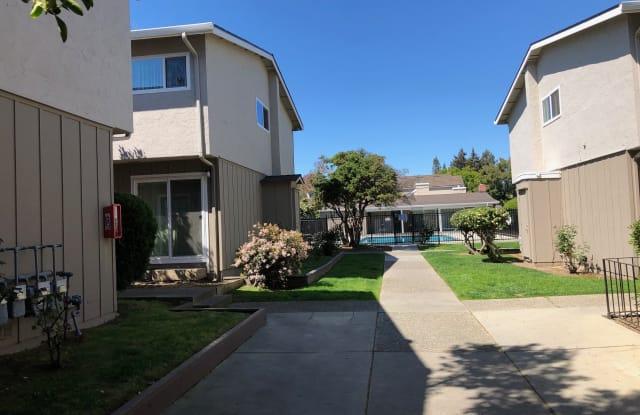 Del Prado I Apartments - 301 Acalanes Drive, Sunnyvale, CA 94086