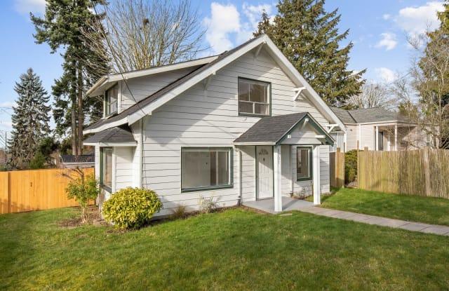 9101 8th Ave North - 9101 8th Avenue Northeast, Seattle, WA 98115