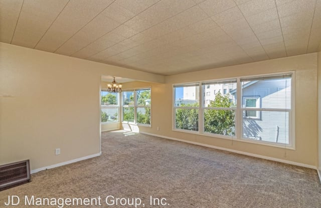 475 Stow Ave - 475 Stow Avenue, Oakland, CA 94606