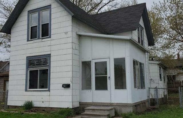 124 Beyne St - 124 Beyne Street, Mount Clemens, MI 48043