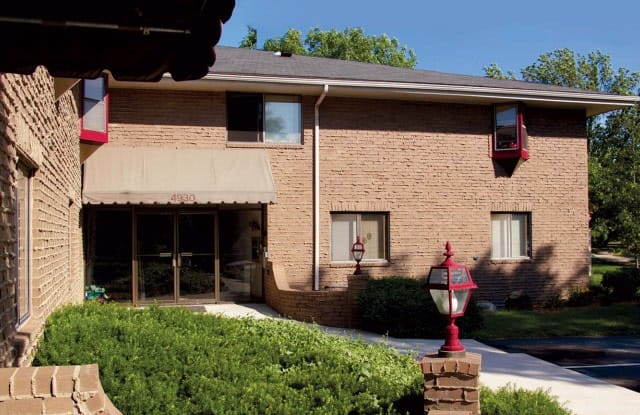 Whitcomb Corner Apartments - 4930 Whitcomb Drive, Madison, WI 53711