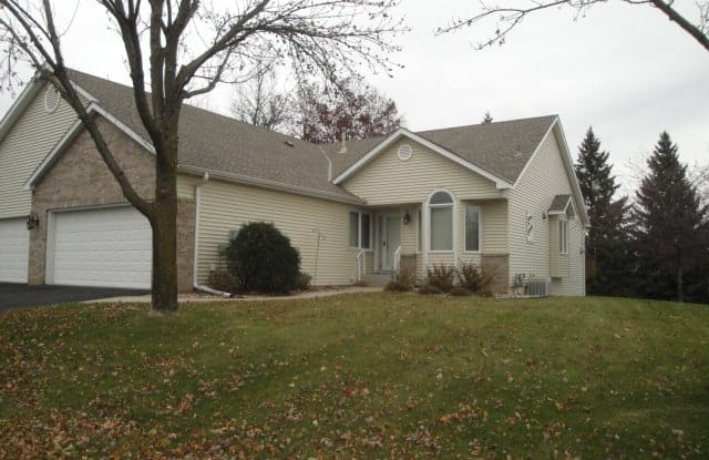 4494 Lakeshore Ter - 4494 Lakeshore Terrace, Eagan, MN 55122