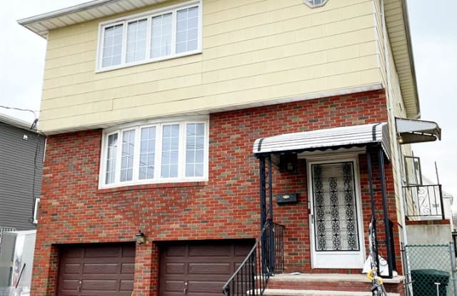 712 PAGE AVE - 712 Page Avenue, Bergen County, NJ 07071