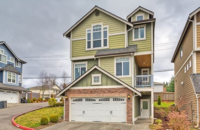11146 Paine Field Way # 12 - 11146 Paine Field Way, Everett, WA 98204