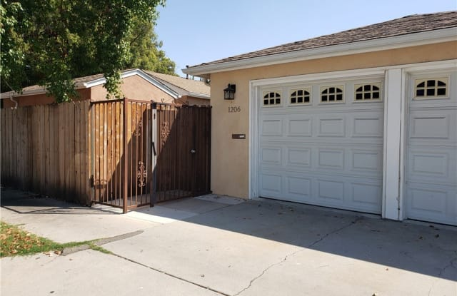 1206 W Chandler Boulevard - 1206 Chandler Boulevard, Burbank, CA 91506