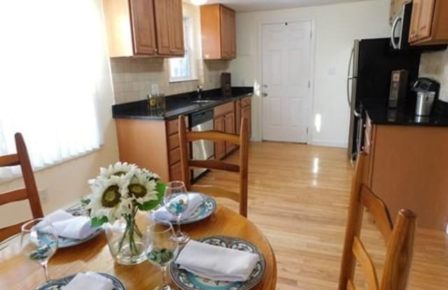 251 Neponset St - 251 Neponset Street, Canton, MA 02021