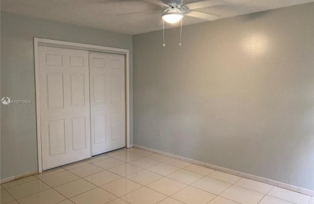 650 NE 149th St - 650 Northeast 149th Street, Golden Glades, FL 33161