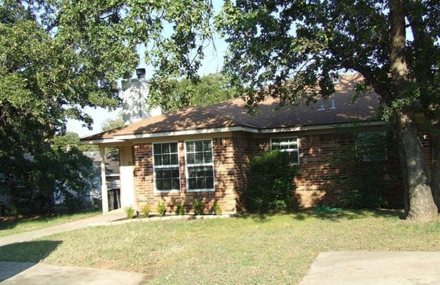 11 Foster Court - 11 Foster Court, Mansfield, TX 76063