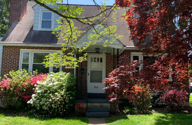 966 CHERRY STREET - 966 Cherry Street, Phoenixville, PA 19460