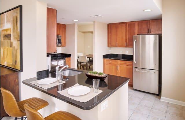 Carlyle Place Apartments - 2251 Eisenhower Ave, Alexandria, VA 22314