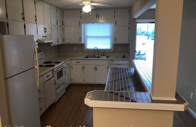 485 Williamsburg Way - 485 Williamsburg Way, Fayetteville, GA 30214