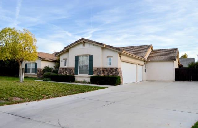 700 River Oaks Drive - 700 River Oaks Drive, El Paso de Robles, CA 93446