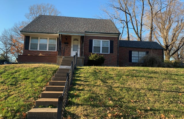 2831 Clearview Dr - 2831 Clearview Drive, Bel-Nor, MO 63121