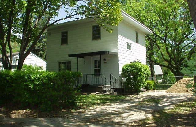 1002 South Cottage Grove Avenue - 1002 South Cottage Grove Avenue, Urbana, IL 61801