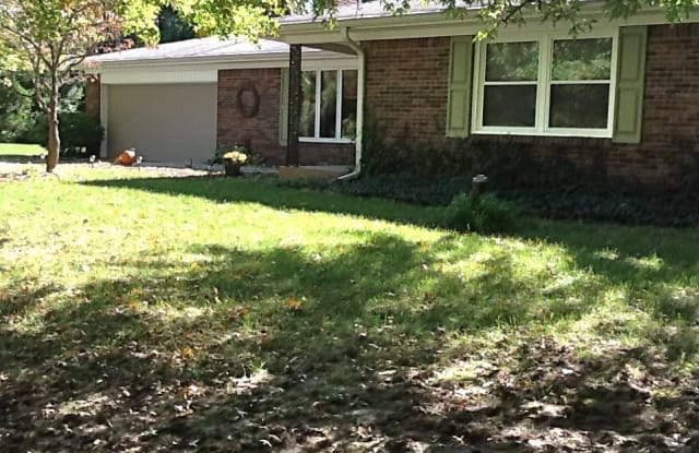 8195 Oak St - 8195 Oak St, Zionsville, IN 46077