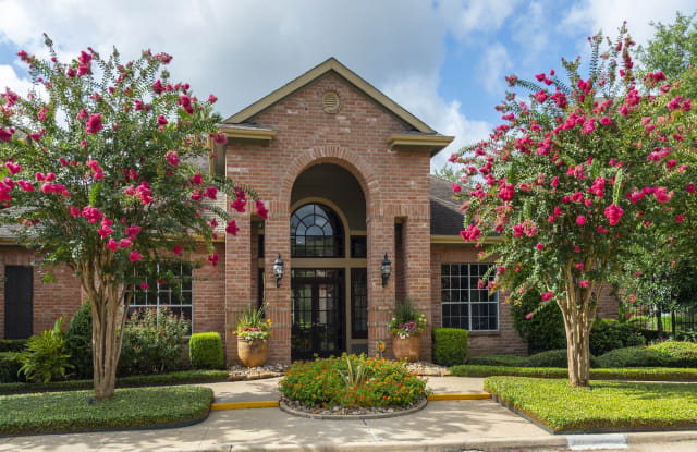 Breakers at Windmill Lakes - 9750 Windwater Dr, Houston, TX 77075