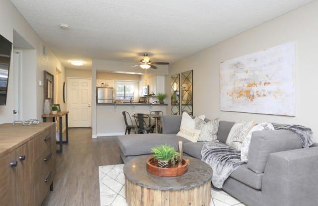 Ellington Apartment Homes - 4849 El Cemonte Ave, Davis, CA 95618