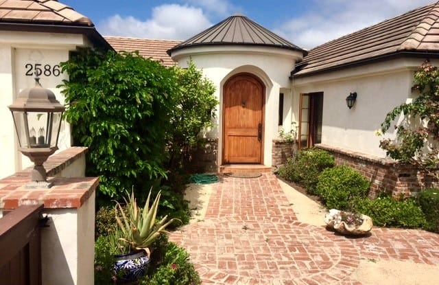 2586 Temple Hills Drive - 2586 Temple Hills Drive, Laguna Beach, CA 92651
