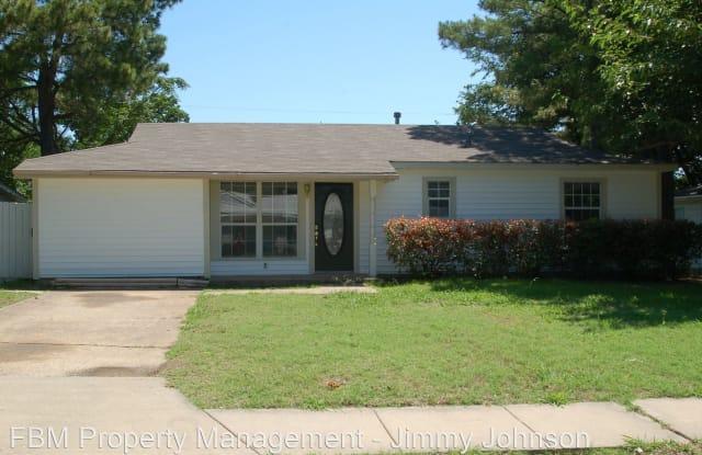 136 Highland Dr - 136 Highland Drive, Ennis, TX 75119